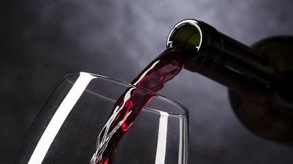 Иногда все же можно: какую пользу несет бокал вина