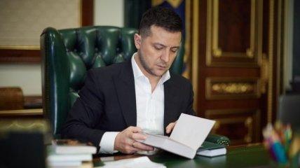 Зеленский перешел на русский язык в очередном обращении к украинцам (видео)