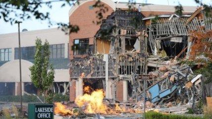 В США мощный взрыв разрушил часть торгового центра
