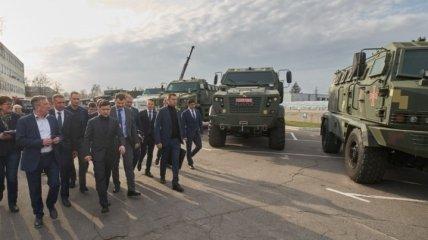 """Президент посетил завод """"АвтоКрАЗ"""" в Кременчуге (Фото)"""