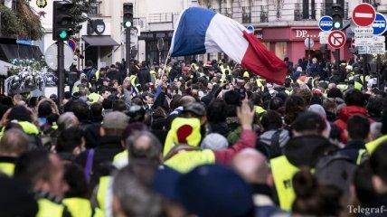 """""""Желтые жилеты"""" мобилизуются для новогодних протестов во Франции"""