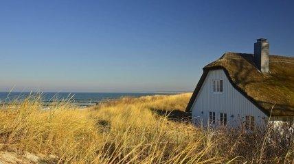 На березі океану побудують будинок в дюнах (Фото)