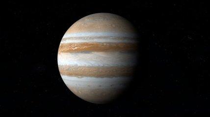 Большое красное пятно Юпитера может уменьшаться (Видео)