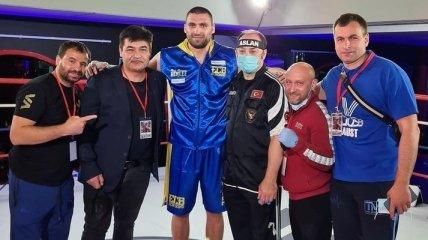Непобедимый украинский супертяж сразится перед боем Фьюри - Уайлдер