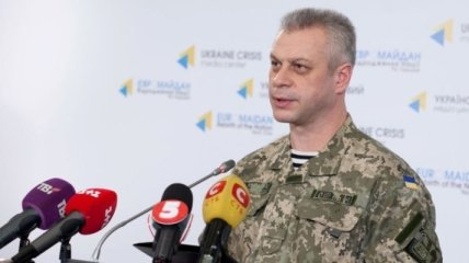 Лысенко: В зоне АТО за сутки ранены двое украинских военных