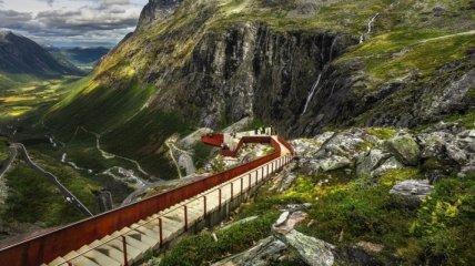 Великолепные виды горных дорог Норвегии (Фото)