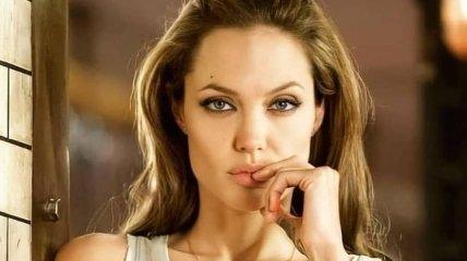 Анджелина Джоли устранила судью по бракоразводному делу с Брэдом Питтом
