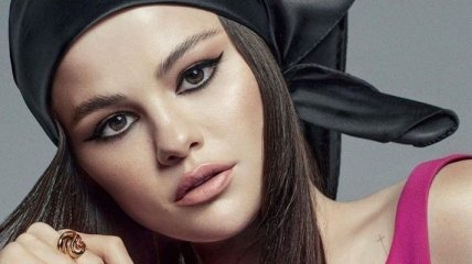 """""""Моя цель разрушить нереалистичные стандарты красоты"""": Селена Гомес украсила обложку сингапурского Vogue"""