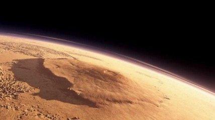 Уфологи рассмотрели на Марсе тело мертвого гуманоида
