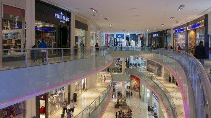 Польща поновила роботу торговельних центрів, будівельних магазинів та готелів
