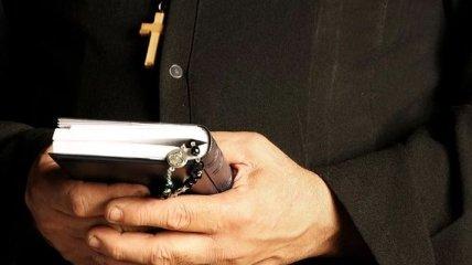 В Испании мужчина 18 лет притворялся священником