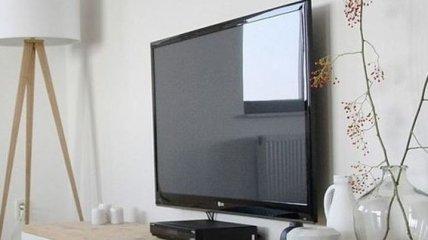 Компания TCL представила 100-дюймовый телевизор