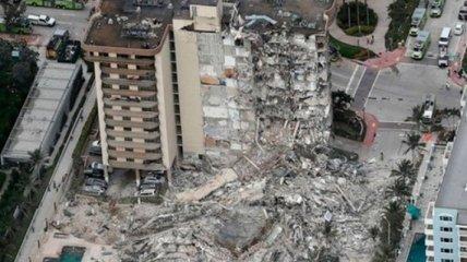 Число погибших при обрушении высотки во Флориде приближается к сотне (фото)