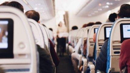 """""""Неприятный запах"""": В Майами еврейских пассажиров сняли с рейса"""