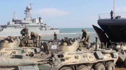 Сотни вертолетов и бомбардировщиков: росСМИ показали видео, как войска РФ возвращаются с украинских границ
