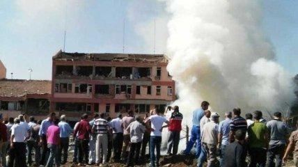 В Турции очередной взрыв: погибли три полицейских, много раненых