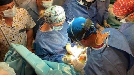 """У Рівному провели складну операцію з пересадки серця: """"Молимося і вболіваємо, щоб прижилося"""" (фото)"""