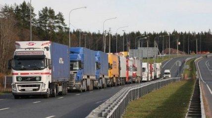 Имеешь перегруз – плати 51 000 гривен: президент подписал новый закон для автоперевозчиков
