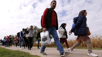 Юнкер не видит прогресс в решении миграционного кризиса