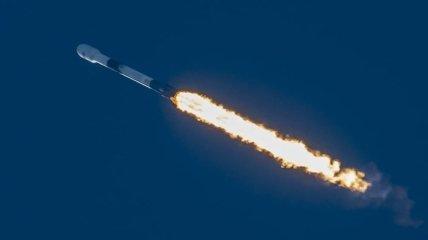В этот раз без казусов: SpaceX успешно запустила новую партию спутников на орбиту (видео)