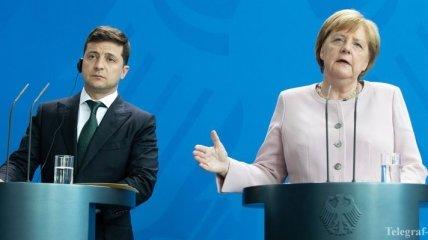 Зеленский и Меркель обсудили авиакатастрофу самолета МАУ