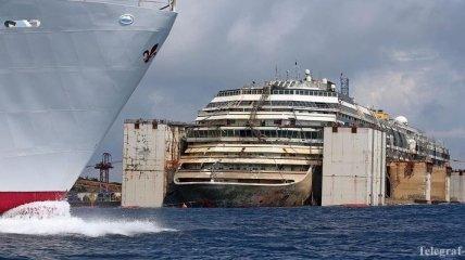 Сегодня начнут буксировать Costa Concordia