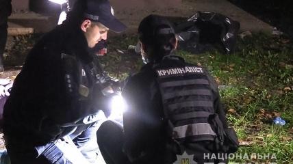 Фото с места убийства мужчины на улице Овруцкой в Киеве