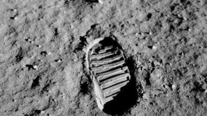 NASA хочет впервые отправить на Луну женщину-астронавта