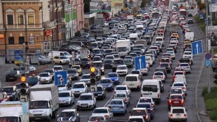 В Україні стає все більше водіїв з кожним роком
