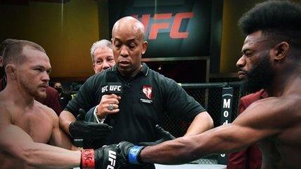 Российский чемпион UFC использовал запрещенный прием в бою и потерял пояс (видео)