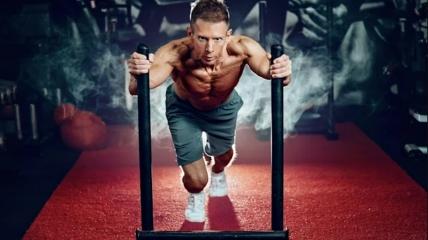 Мотивация заставляет нас начать, но именно дисциплина помогает нам продолжать двигаться вперед