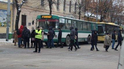 Жители Житомира блокировали движение в центре города