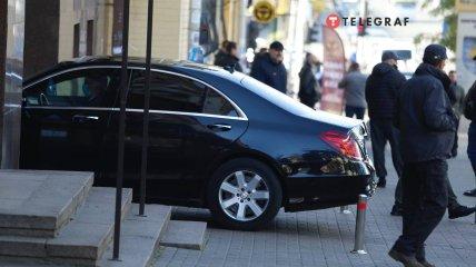Политик прибыл на вручение ходатайства в ГБР