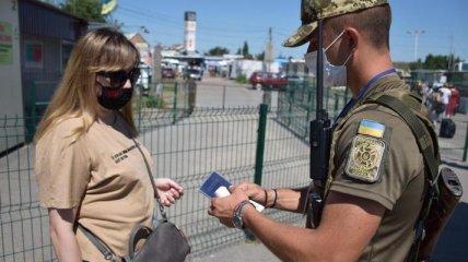 Полноценно работает только один КПВВ: боевики блокируют передвижение украинцев по Донбассу