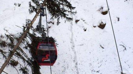 В Италии более 150 человек застряли на фуникулере в горах