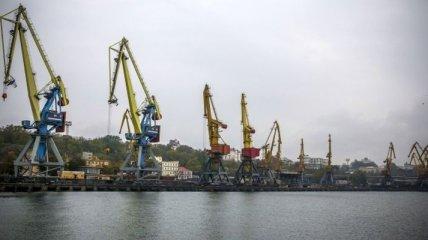 Морские порты Украины увеличили перевалку грузов на 1,4% в 2015 году