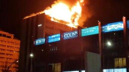 В российском Грозном загорелась многоэтажка
