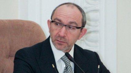 Кернес планирует вернуться в Украину 17 июня