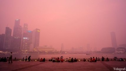 Сингапур окутан сильнейшим за всю историю смогом
