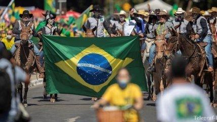 """Новым """"эпицентром"""" пандемии коронавируса становится Бразилия"""
