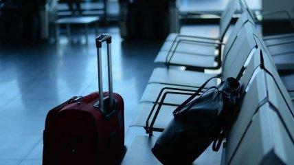 В Варшаве посол не захотел надевать маску в самолете - сотрудники аэропорта пошли на принцип