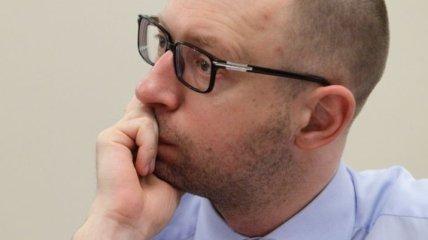 """Яценюк заявил о начале открытого расследования крушения """"Боинга-777"""""""