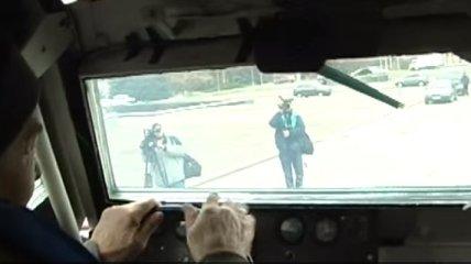 """В зону АТО отправили уникальную десантно-штурмовую машину """"Крокодил"""" (Видео)"""