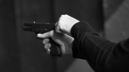 Вместо мишени - в голову: в стрелковом клубе на глазах у инструктора ученик покончил с собой (видео 18+)