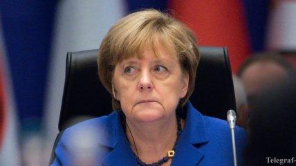 Меркель хочет упростить депортацию мигрантов из-за событий в Кельне