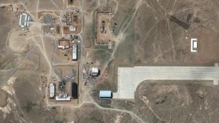 Китай строит в пустыне суперсекретный аэродром для испытания космического оружия: появились фото со спутника