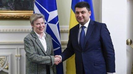 Гройсман: Украина надеется на новый уровень сотрудничества с НАТО