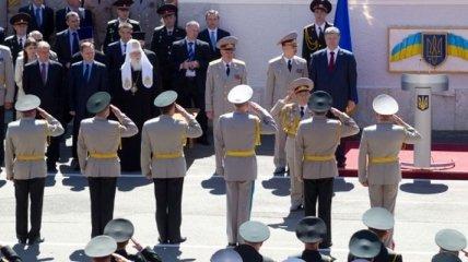 Порошенко поздравил с выпуском офицеров НУОУ