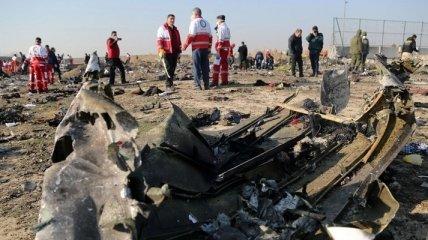 Крушение самолета МАУ в Иране: родственников жертв запугивали