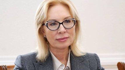 Денисовой отказывают в встрече с Сенцовым и обвиняют в нарушении договоренностей